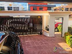 Venta y alquiler de casa en Res. Altos de Las Praderas
