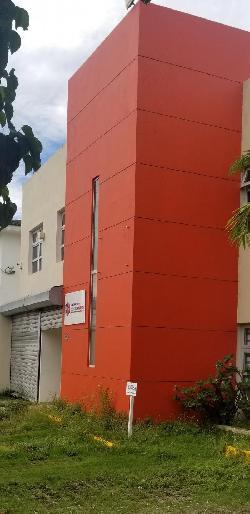Alquilo Excelente Local Comercial en Los Prados