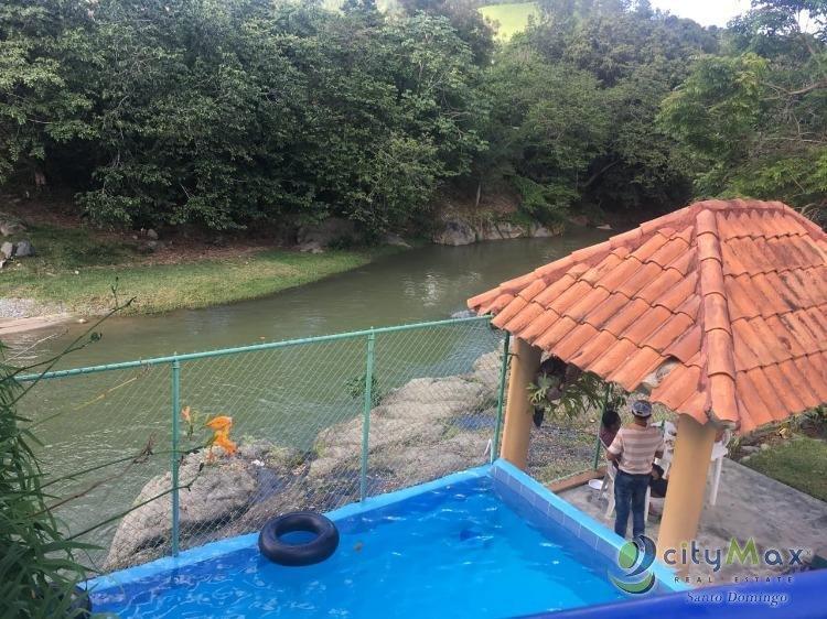 alquilo Cabañas de Montañas en Jarabacoa con piscina