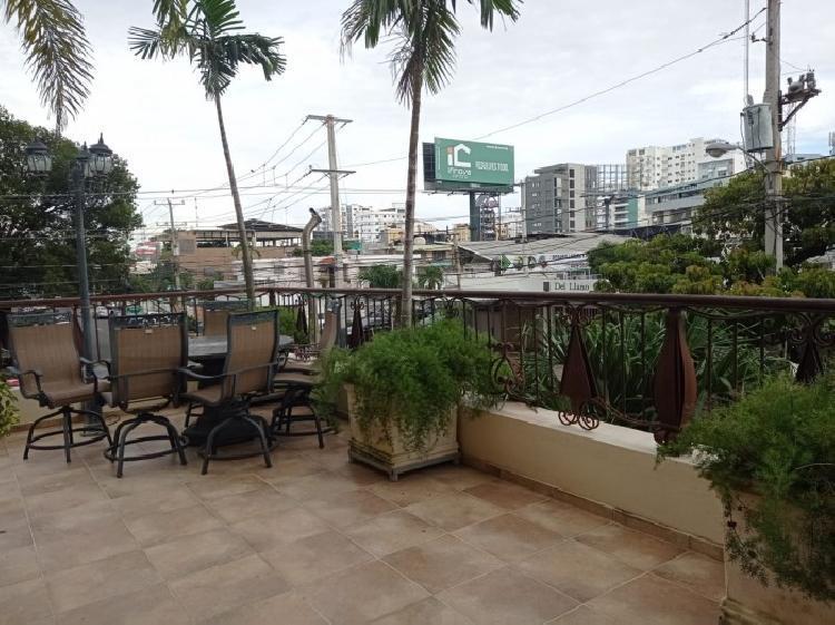Vendo segundo nivel con terraza en Naco