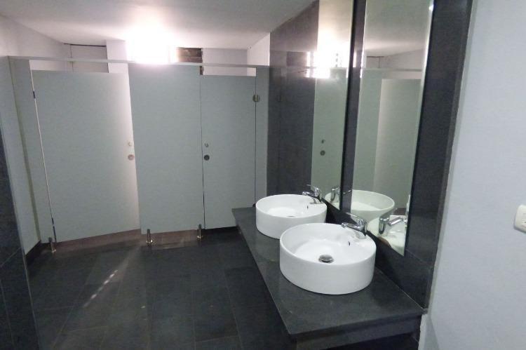 Alquilo local ideal para call center de 370 mt2 en Naco