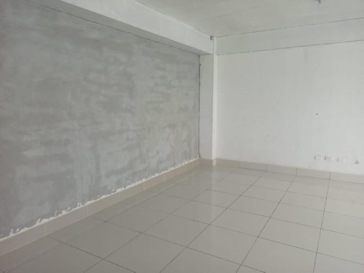 Rento/ alquilo local comercial ubicado en el Millón